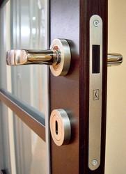 выбрать замок для межкомнатной двери