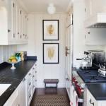 картины в интерьере маленькой кухни