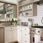 зеркало в интерьере маленькой кухни