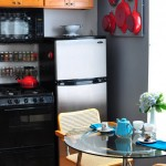 круглый прозрачный стол для маленькой кухни