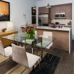 прозрачный стол для маленькой кухни