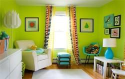 шторы под зеленые обои