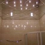 маленькая ванная комната потолок 2
