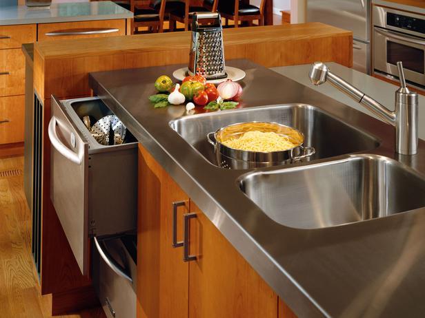 кухня стальная столешница