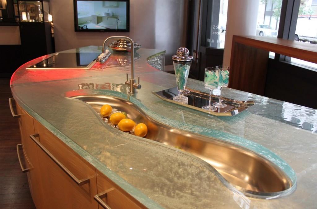 кухня стеклянная столешница