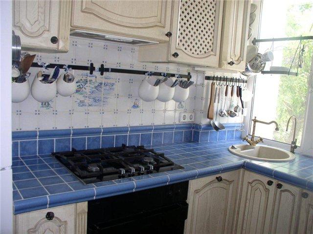 кухня столешница из плитки