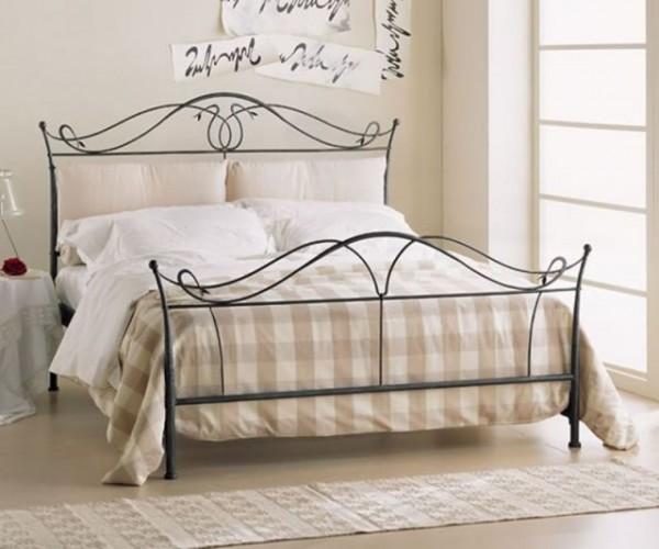 кровати с кованой спинкой