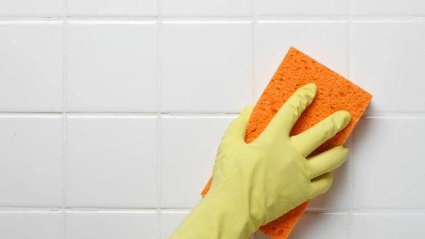 Средство для мытья посуды или мыло для мойки керамической плитки