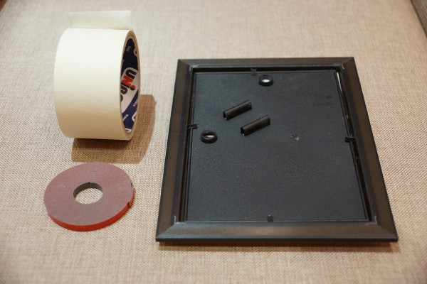 Двусторонний скотч для крепления легких предметов без гвоздей к стене