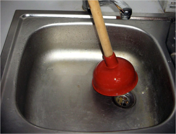 Вантуз в борьбе с засором канализации