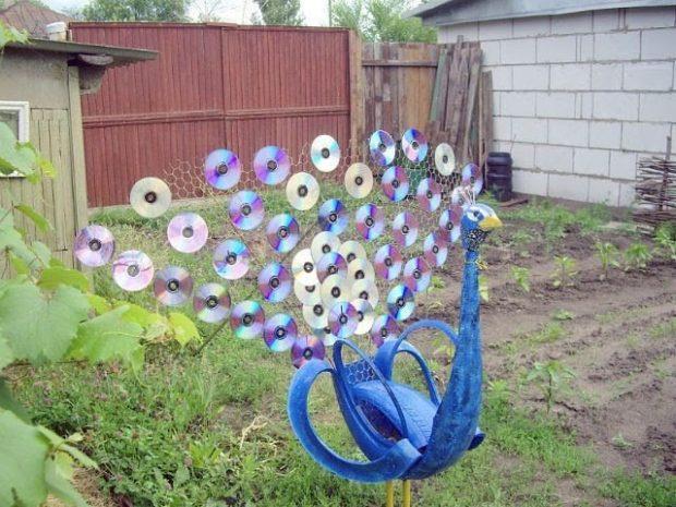 9 идей поделок из компакт-дисков своими руками для сада и дачи + фото