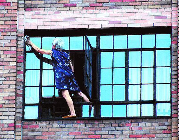 Как мыть окна после ремонта