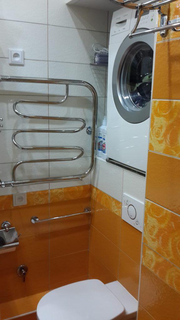 Стиральная машина в маленькой ванной комнате: 6 идей размещения фото