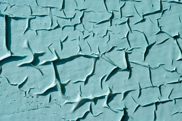 9 способов, как снять краску со стены