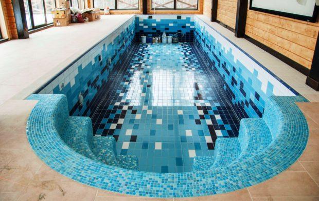 10 советов по выбору плитки для бассейна