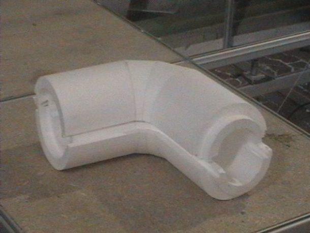 Пенопластовый утеплитель для фитингов водопроводных труб