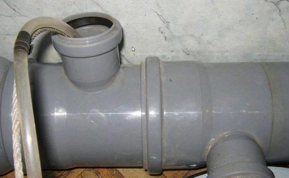 Как разморозить трубу канализации?