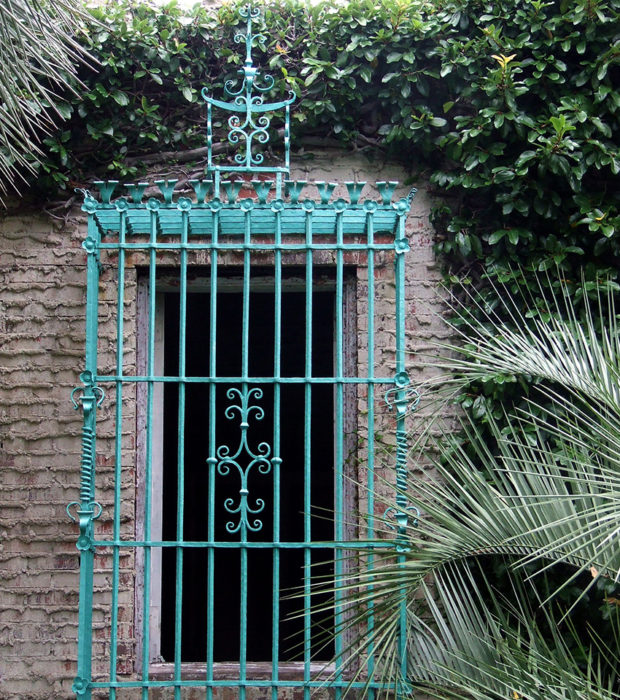 Кованые решетки на окна: 10 советов по выбору