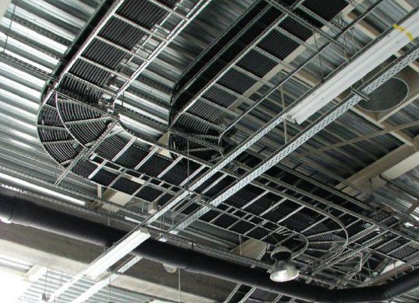 лестничный кабель-канал