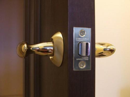 Как выбрать замок для межкомнатной двери