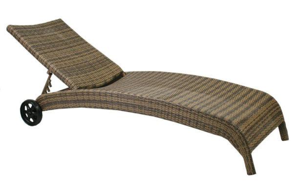 Шезлонг с имитацией плетения под ротанг