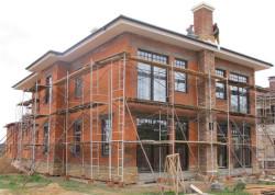 Выгодно ли брать строительные леса напрокат