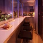 балкон в стиле гостинной и бара 2