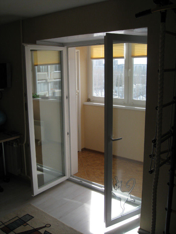балконная дверь распашная