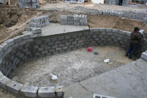 бассейн бетонный из блоков