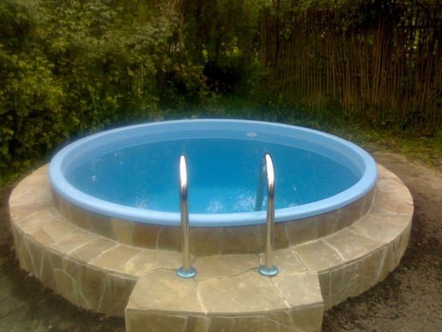 бассейн бетонный из колец