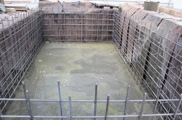 бассейн бетонный заливка бетоном в два этапа