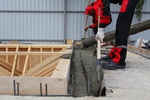 бассейн бетонный заливка бетоном