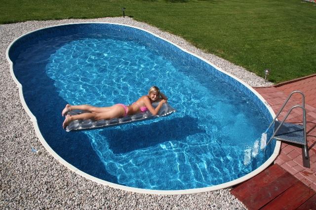 Устройство бассейна из бетона и отделка стен бассейна на даче