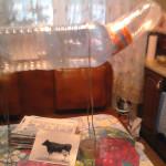 бык  из пластиковых бутылок