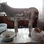 бык  из пластиковых бутылок 3