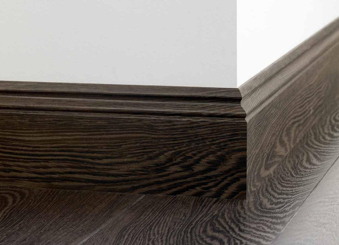 деревянный плинтус 2