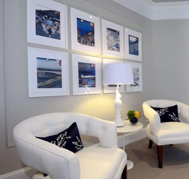 Размещение фотографий в рамках на стене в форме прямоугольника