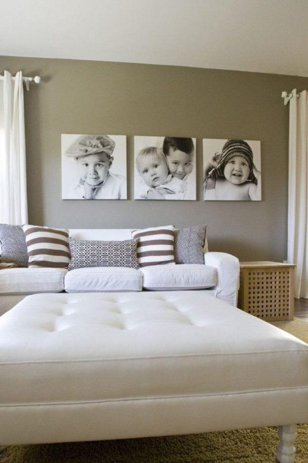 Композиция из фотоснимков на стене в спальной комнате