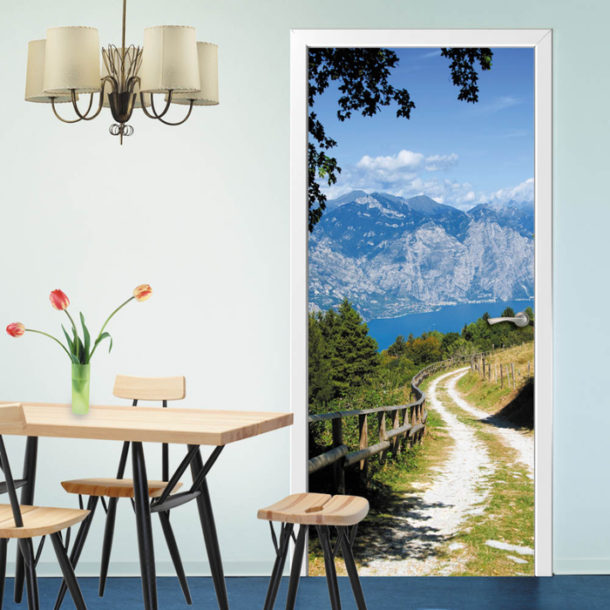Фотообои на дверь с природным дизайном