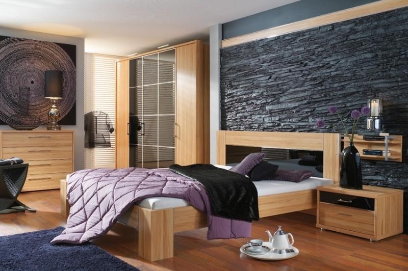 камень для стен спальни