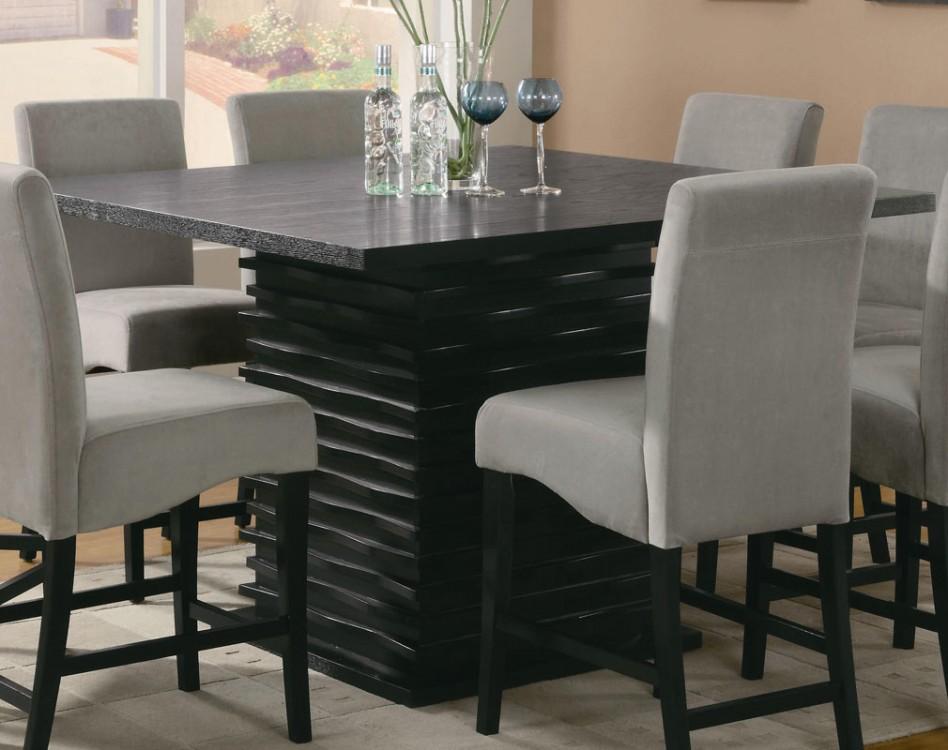 каменный обеденный стол