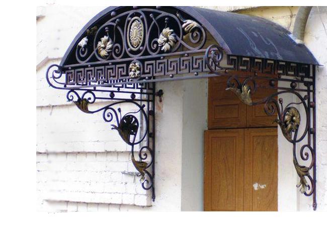 Обустройство навеса (козырька) над крыльцом частного дома