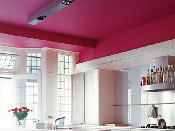 Материалы для отделки потолка на кухне