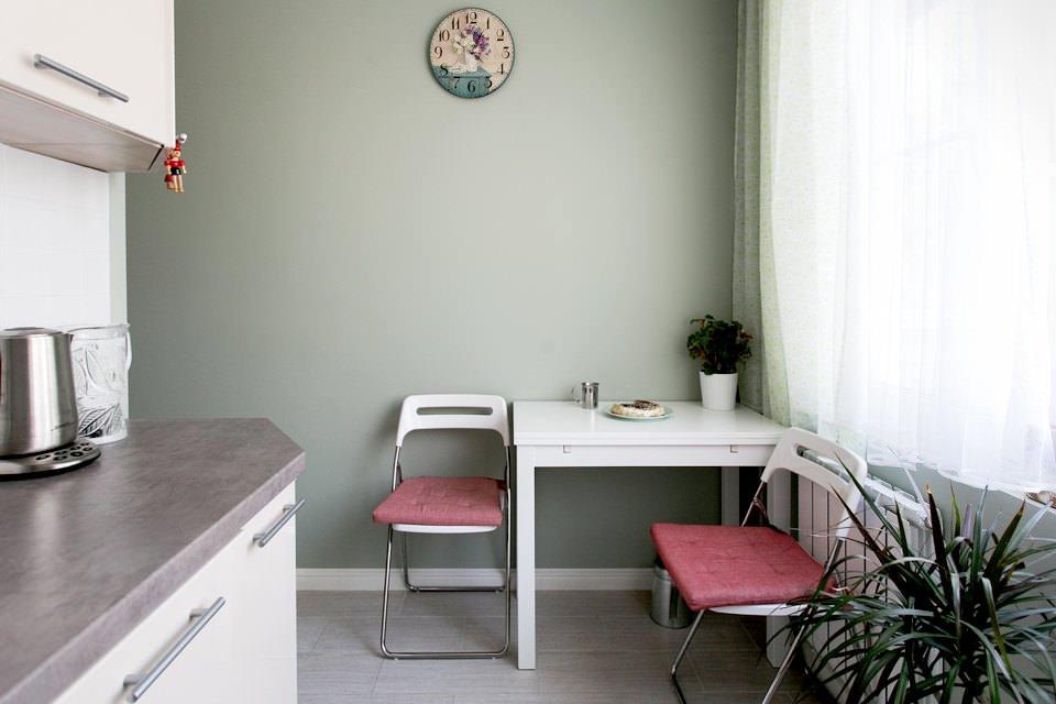кухня в хрущевке обеденный стол