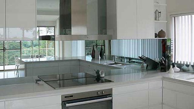 кухонный фартук зеркальный 2