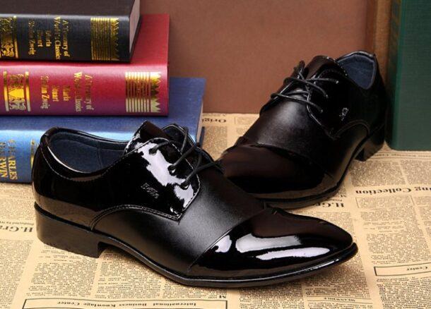 Лакированная кожаная обувь