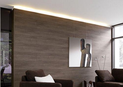 ламинат на стенах в гостиной
