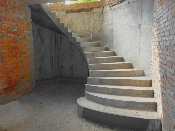 лестница для дома бетонная
