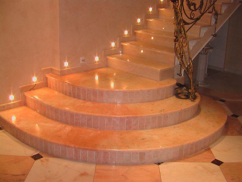 лестница для дома каменная