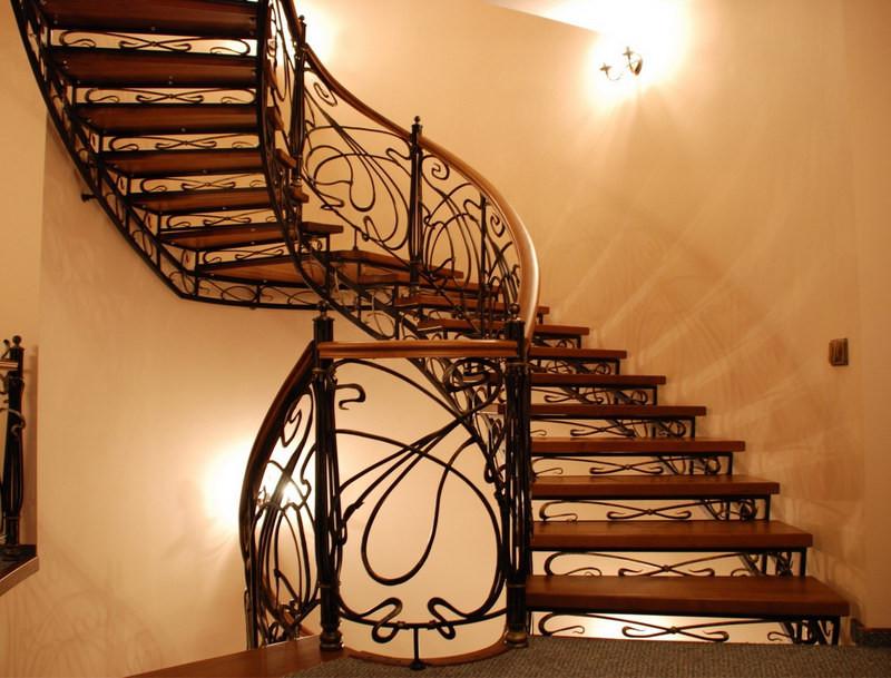 лестница для дома кованая